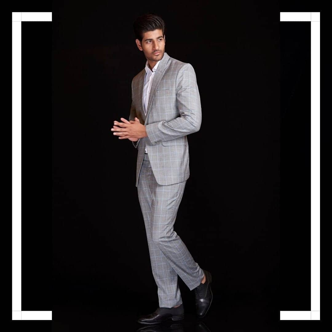 Whats better than a man in a well Tailored Suit? Look Dapper and Handsome in our amazing Suit Collection! 🕶️   #rentanattire #suitupwithraa #raagroom #rentit #suitsonrent #whybuywhenyoucanrent  #suitup #mensfashion #suit #fashion #menswear #suits #dapper #mensstyle #suitandtie #menstyle #ootd #gentleman #style #suited #bespoke #menwithclass #gentlemen #tie #sartorial #suitstyle #tailoredsuit #gentlemanstyle