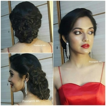 #wedmealready  #party #makeup #indianmakeupartist #partymakeup #makeupaddict #makeupjunkie #fashionblogger #indianbeauty #makeupblogger #makeup #brideinspiration #brideinmaking #beautiful #eyes #brideideas #diamondjewellery #diamond #indian #wedding #weddingmakeup #weddingmakeupartist #weddingplanner #freshflowers #hairupdo #maccosmetics #urbandecaycosmetics #nyxcosmetics #anastasiabeverlyhills #bobbibrown #bridediaries #wedmegood #bigfatwedding #bridebook #shadesofwedding