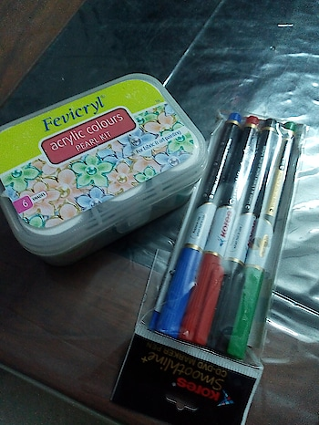 My favorites!! ❤️ #fevicryl #fabricpainting #fabric #love #favourite #colors #lip color #markers #lucknow #lucknowblogger #lucknowdiaries #lucknowyoutuber #lucknowgirl #lucknowbakers