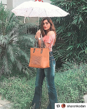 #Repost @sharonkodan (@get_repost) ・・・ In love with this camel tote bag from @e2ofashion ✨ #e2ofashion #sharonkodan