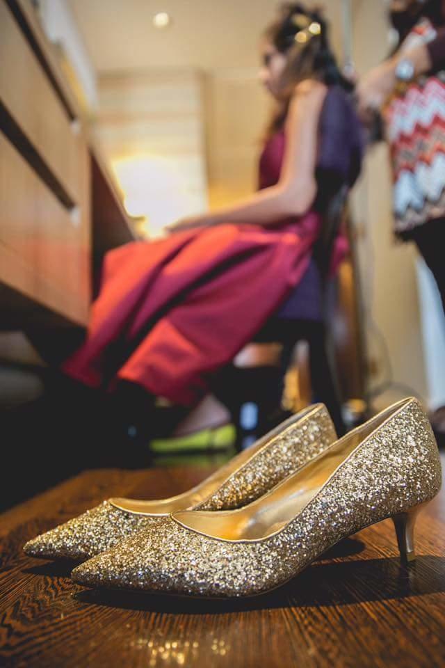 Sometimes happiness comes in pairs! 👠 #brideinspiration #brideshoes #weddingphotographer #photooftheday #destinationwedding #candidphotography #bridesofindia #bridetobe #sangeet #wedmegood #weddingsutra #weddinginspiration #bridegoals #fearlessphotographer #indearweddings #gold #glitter #jimmychoo #indianbrides #chic #NKphotography #fashionista #fashionblogger #wedding