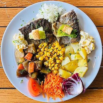 Grill Chicken with Potatoes and Butter corn. 😋 . . #chicken #grill #grillchicken #buttercorn #chickensofinstagram #grilling #chickens #corn #mashpotatoes #potatoes #potato #masala #tastyfood #delicious #trending #justhungrybae #travelphotography #trellingfood #foodporn #foodlover #shotononeplus #foodgasm #instafood #zingyzest #foodpic #kingofthegrill
