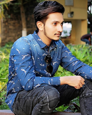 HUNT OR BE HUNTED.💯 . . . .  #fashionista #ajiolife #india #travel #fashionblogger  #park #indianblogger #casualstyle #photography #outfitpost #style #styleblogger #dapper #lookbook #streetstyle #denim #rippedjeans #hairblogger #byblumaan #hairstyleformen #heliumformen  #trendy #summer #collaboration #mensfashion #mumbai #mumbaiblogger #influencer