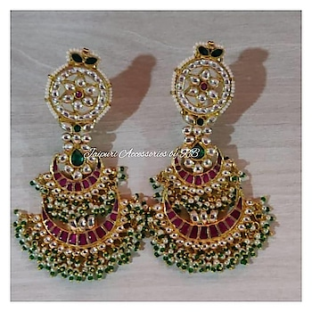 Sabhyasachi inspired jadau jouels 💞💞💞💞 Dm for bookings #jadau #weddingchooda #weddingjewels #punjabiweddings #sharjah #germansilver #classy #preety #_jaipuri_jewels #ootd #uk #usa #uae #_jaipuri_jewels #desibeautyblog #makeup #mumbai #bollywoodfashion #celebrity #partystunners #bridalgoals #jakarta #newyork #newzeland #vancouver #toronto #california #newzeland #pachchikundans #goldplated #sabhyasachiinspired