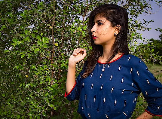 Don't Doubt. Don't Pout. Figure It Out.🌸 . . . . . . . . . . . . . . . Make-up Look Using three products only.   💄 Red Lipstick 👀 Blue EyeLiner ✨Golden Hughlighter  . . . #diksha #fromposetocloth #fashionblogger#kult#kultcontest#kultinfluencer#GlamourInBudget#bsauty#makeup#blogger#amritsarblogger#fashion#style#sdmdaily#shinebright#goodvibesonly#indianfashionblogger#indian#indianmakeupsociety