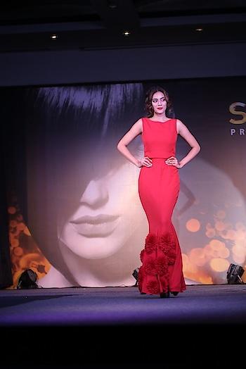 #redgown #posing #fashion #fashionquotient