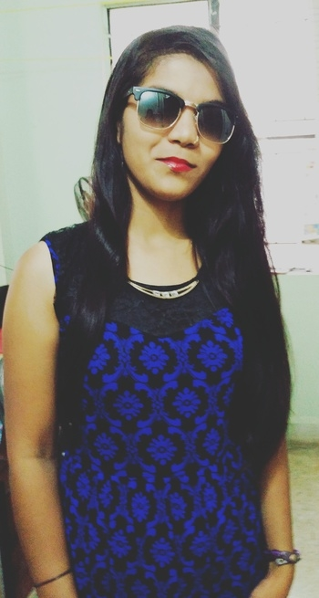 Redlips#blueandblacktop#clubmasters #simplelook#todayslook #roposofashion#roposolover😘