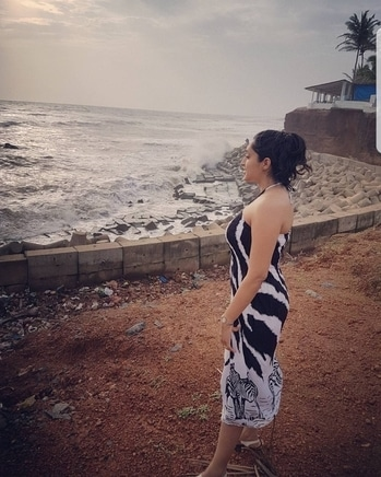 Smell the sea, and feel the sky, let your soul and spirits fly!! #goadiaries #goa #offseason #travelphotography #traveldiaries #beach #sun #sand #sunset #sunsets #loveit #tranquil #serene #piscean #waterbaby