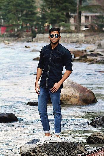 #men-looks  #menswear  #jeanslove  #shoestyle  #roposofashionblogger  #soroposofashion  #indiafashionblogger  #delhifashion  #fashion  #styling  #summer-style  #black #denim #denimshirt #whiteshoes #reflectors #kasol