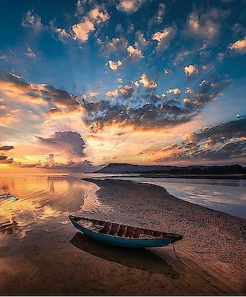 evening..pics..shot..😘😘😍😍 #photo #photographylover #photo-shoto #photographs #photomodel #photgraphers #nice #greatshot #creator #sun #sunshine #evening #evening-gown #boat #river #water #beach #tree #golden #sea #world #wallpapers #worldstreetphotography