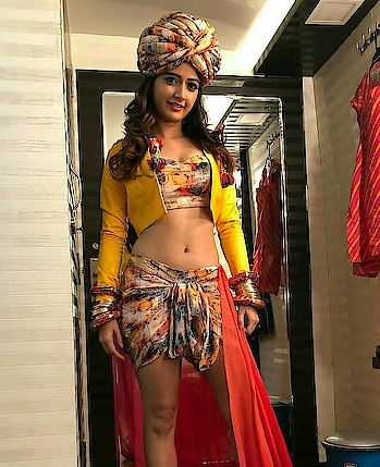 💝Like my posts 👍Check my gallery #fashionquotientchannel #lookgoodfeelgoodchannel #lookgoodfeelgood #rangolichannel #rangolitv #filmistanchannel