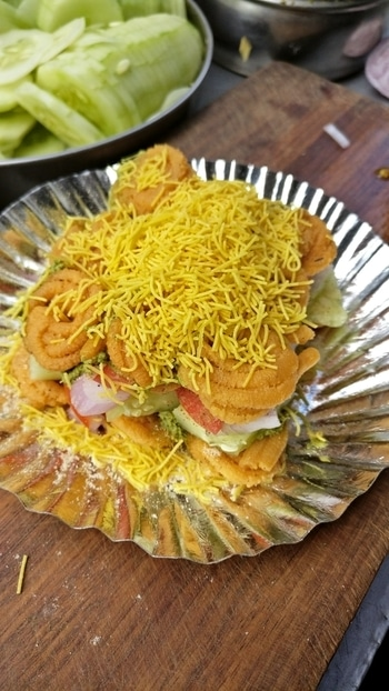 ~Murku Chaat~ .  Follow @toofoodiee for more!!  .  #follow #followme #follow4follow #followforfollow #followback #followher #followhim #followall #follows #f4f #instatag #lbbdelhi #delhifoodblogger #foodgram #love_food #toofoodieerecommends #toofoodies #sodelhi #dfordelhi #Delhi_foodie #lbbdelhi #delhifoodblogger #foodgram #love_food #toofoodieerecommends #toofoodies #sodelhi #dfordelhi