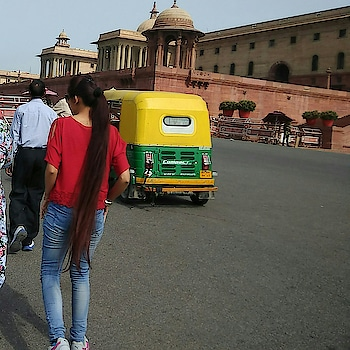 #soroposo #soroposofashion #soroposostylefiles #longhair #longhairlove #delhi #delhidiaries #soroposo #mood #love #bold #fashiontips #denim #drama