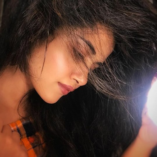 Still, I can't understand how God could create such an ideal woman like you, you are perfect from the toes to the head @anupamahere 😍🤗   #loveanupama  ❤️  #anupamaparameswaran   #tony