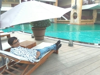 #tour #tourists #picnic #picnicstyle #hangout #weekend #resort #resortliving #studs #swagger #swaggerlifestyle #swaggerboy #awadh #hotel #luxary #fivestar #best hotel #posing #photo #photography #photoshoot
