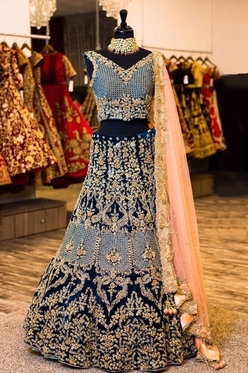 New Designer Wedding Saree,Gown,Suit,Kurti,Lehengha,Anarkali Suit,Salwar suit,Kids Gown Maitri Fashion #ReadytoShip🚌✈ For Booking or any other queries😊 Contact Us👇 Whatsapp or Call :- +91 99099 43024 Whatsapp or Call :- +91 74051 09917 Or Else Just DM. Note:- Our Collection Fabric Details & Prices Broadcasted Daily On watsapp so please ping on above numbers. Supply All Over worldwide✈🚛