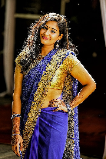 #sistersweddingday #indianculture #be-fashionable #indian-mehndi #weddingdiaries #ethnicjewellery #ethnicstyle #designer-saree