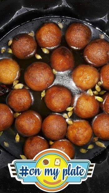 #indianbloggersroposo  #indianchic  #gulabjamun  #homemade  #sodesi  #feelinghungry  #sweettooth #onmyplate