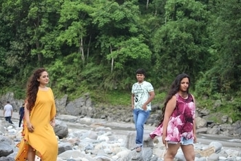 riverfront#vacationmode#east sikkim#breathable outfit