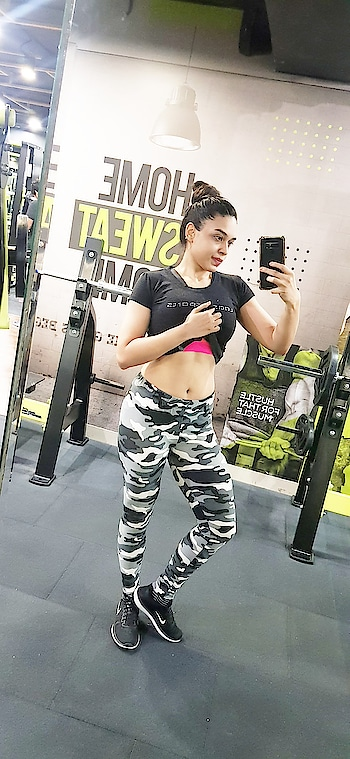 Abs in progress  #workoutmotivation #fitness #roposo #women #pageantgirl #model #modellife #abs #healthy #missindia #motivation #cardio #fitnessmodels
