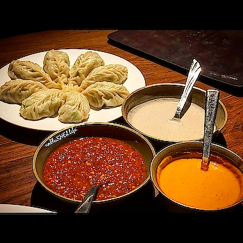 One of the best vegetarian Momo's in Delhi.They are served with three types of sauces. 🍴Orange one is extremely spicy and the white is made of sesame seeds. . . ❓ Vegetarian Momo's 📍Yeti,The Himalayan Kitchen. . . . Follow @unblushedlife . . . #unblushedlife  #blogger  #igers #instagramer #instadaily #instaphotos #foodpicsdaily #followforfollow #like4like #foodgasm #foodiegram #foodlove #sinful #Delhifoodguide #foodporn #foodlover #foodshot #foodiesofinstagram #soulfood #omnomnom #food52grams #foodtalkindia #tasty  #vsco #trending #chandigarh #delicious #delhi #india . . . @oneplus_india @zomatoin