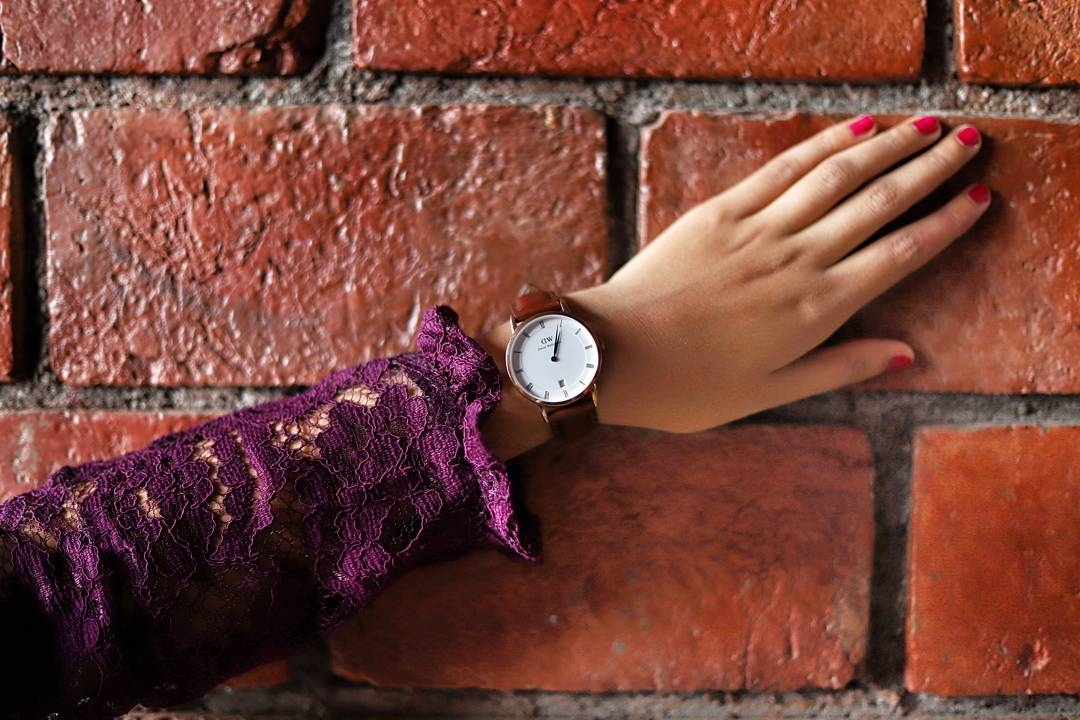 Slay with time 💯 @danielwellington  You can use my code ISHA15 , which gives 15% discount on all purchases. .  . #fashion #roposotalenthunt  #danielwellington #watch #time #rfr #likesforlikes #recent4recent #recentforrecent #spamforspam #followforfollow #delhi #classywatch #watchlove #photooftheday #potd #gainallday #letsallgaintrain #gaintrains #gainpost #l4l #instalike #r4r #thestylecheck #f4f #gymnasticsshoutouts #watchstrap #discountcode
