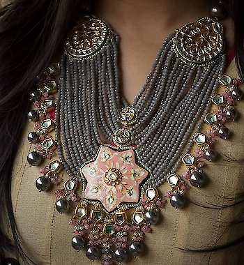 Heavy pearl necklace
