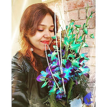 Received these beautiful Orchids this morning anonymously... I have an idea who it is.. Thank you Stranger ♥️ you made my day ! And a very Happy Valentine's Day !! What are you guys doing today ? Comment below 😁 Happy Valentine's Day Guys 😋 . . . . . What am I wearing 💄 : Maybelline Lip Gradation (Orange 1) 👀 : Maybelline : The Blushed Nudes,  Lakme Eyeconic Kajal (Black) 🤦♀️ : Ponds White Beauty Cream . . . . . Follow me @medhavista  Follow me @medhavista Follow me @medhavista Follow me @medhavista . . . #fashionbloggerindian #fashionblogger #fashion #fashionblog #fashionblogs #lifestyleblogger #lifestylebloggerindia #lifestyle #lifestyleblog #lifestyleblogs #lifestyles #ootd #ootdfashion #lookoftheday #lookbook #Delhiblogger #Delhifashionblogger #Delhilifestyleblogger #IndianFashionBlogger #IndianLifestyleBlogger . #shot #shotononeplus #shotononeplus5t #shotononeplusfivet #shots