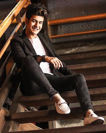 #manjullll #masti #love #musicallystar #trendingfashion #india #roposo #men-fashion #summar-fashion #hope #supportme #nextstar #musicallyindia