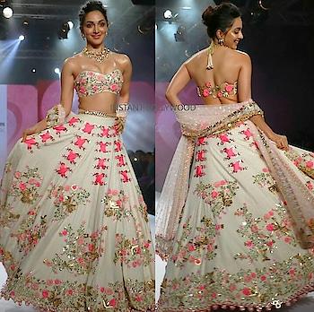 #kiara advani's fashion #wedmealready #designerlehenga #rangoli #filmistaan #filmistaanchannel #filmiduniya #filmisalive #tvbythepeople