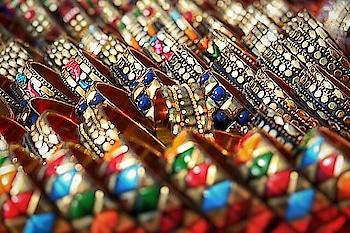 http://shoutbyfashion.com #bangles #bangleslove #streetshopping #streetshots #jewelry #jewelrylover #bblog #beautyblogger #bloggersworld #fashionblogger #roposoclick #roposolovers #shoutbyfashion