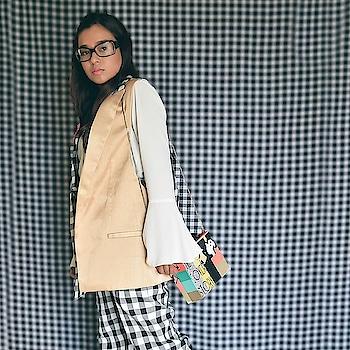 I am not one. But I certainly don't mind looking like one. 🤓 😎 . #nerdalert . . . . . . . . #oversizedglasses #nerdygirl #retro #retrofashion #nerdglasses #checks #checkpants #trendsetters #trending #trendmagazine #fashionbloggerindia #funwithfashion #trendingnow #fashionootd #bags #ropo-love #roposoblogger  #bangaloregirl #bangalore #bangalorefashionblogger