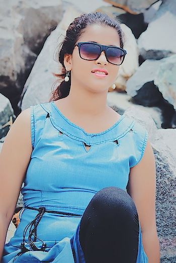 Nothing makes a women more Beautiful than the Believe that she is Beautiful.  #stylebloggerindia #styleblogger #styleicon #fashionbloggerstyle #makeupandbeautyblogger #styleiconsindia #fashionbloggerindia #seabeach #sunglasseslover #sunkissed #hairstyle
