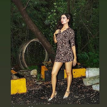 I do a thing called what I want.  Edited by @zoominmomentsbyhardik  #idoathingcalledwhatiwant #portraitphotography  #portrait  #portraitphotographer  #portraitphotoshoot #picturebook  #leoparddress #leopardshoes #goldengooseshoes #jungle  #tigeress  #photoshoot 📸 #modellingportfolio  #modellife 📸 #blogfashion  #fashionista  #portrait_today  #trendingmemes  #newpost