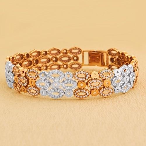 Go extra trendy this week with staggering Diamond jewelries from Sunny Diamonds. #trendymonday #diamondvalue #proposal #jewelry #diamond #diamonds #collection #womensfashion #jewellery  #bridalset #bracelets #gemstone #diamondjewelry #necklace #ring #bangles #pendant #trendy