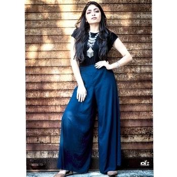 Now you can shop this look on ://indi.com/p/955p3/973sh http://indi.com/p/955p3/973sg Happy shopping 🛍. 🔽  🔽  🔽  🔽 #fashionblogger #basics #black #styleblogger #ootd #outfitdaily #streetinspiration #fashion #mumbaifashionblogger #style #edgy #colourful #boho #lookoftheday