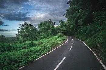 #roadtrip #roadslesstravelled #roadtoheaven #heaven #heavenlyfeeling #naturephotograph #earlymornings #throwback #greenery #natureshots #natureatitsbest