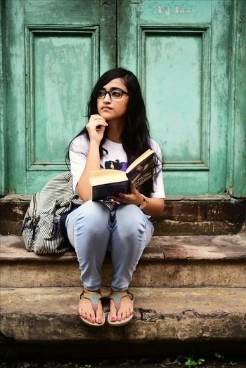 Hi everyone! So I have created two different looks wearing one tshirt . This is one of them. Head over to my blog to check out all the pictures. #roposo #soroposo #soroposogirl #kolkata #blogger #fashionlook #tshirt  #tshirts
