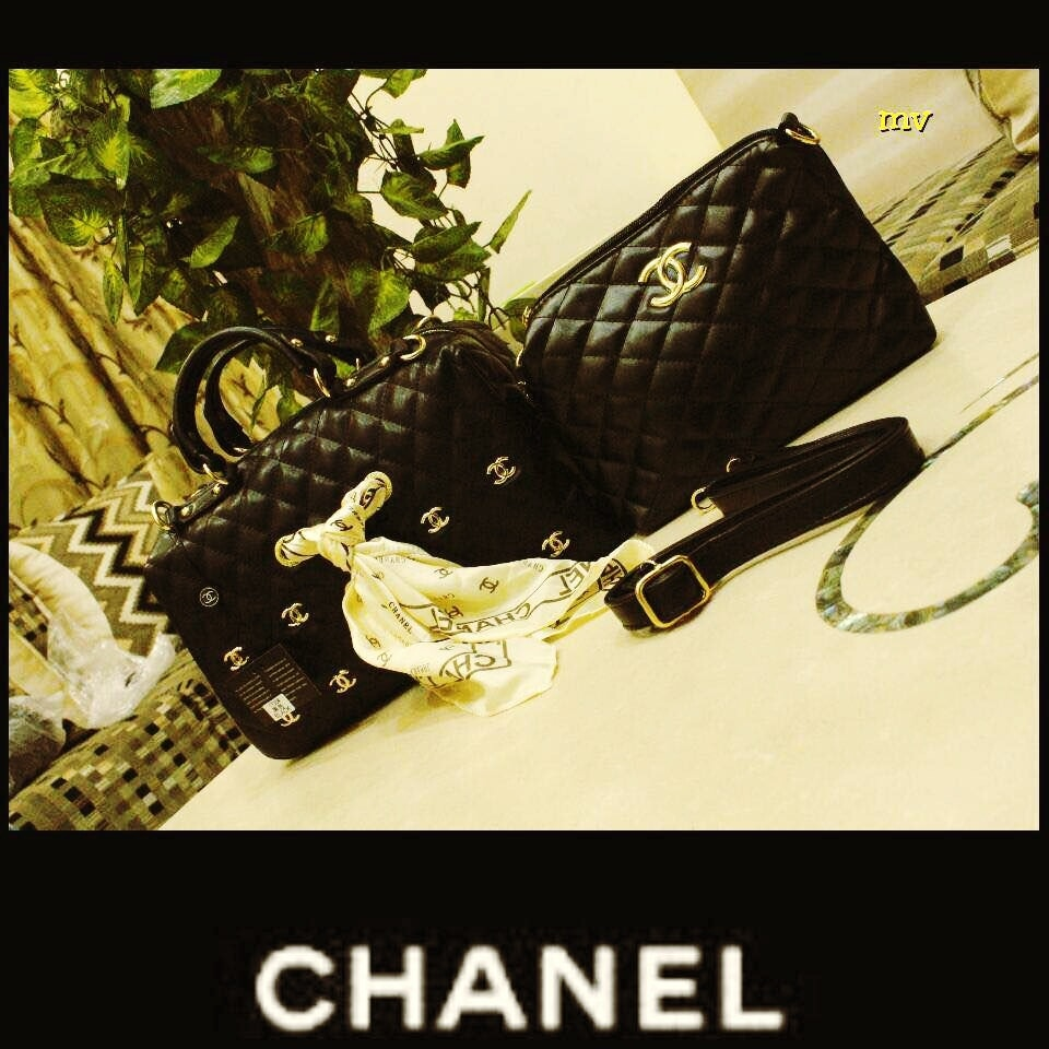 Chanel  combo latest  Quality 12a  Size 12/8 bag  Size 7/11 sling  With branded dust bag   Complete detailing inside out 👌