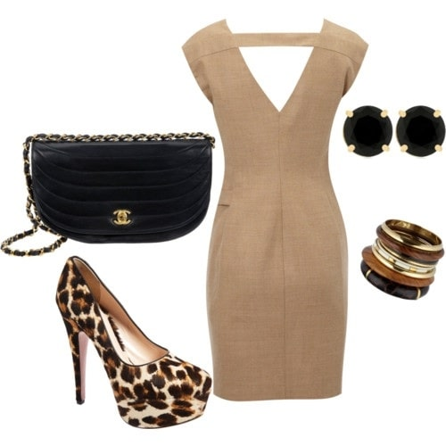 #whole #outfitideas #foryour #firstdate #lunchdate #dinnerdate #dress #accessoreries #pumps #makeuplook #outfitoftheday  So ledies wanna try out this sexy look for your special moment...😉😉😉 #dressup