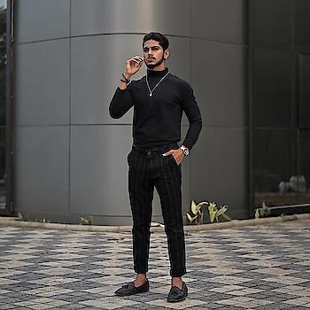 One of my BLACK type ! . . Shot - @thedaydreamstudio . . Outfit - @kollars.2018 . . #TSDFAM  #thestyledweller  #vitragmehta  #black #grey #mensfashioninfluencer  #mensfashion #fashion #mensbeard #hairstyle #style #trouser #loafers #turtleneck #tsdstyle #menswear  #fashioninfluencer  #indianfashioninfluencer  #influencer  #suratinfluencer  #indianblogger  #blogger #india #surat