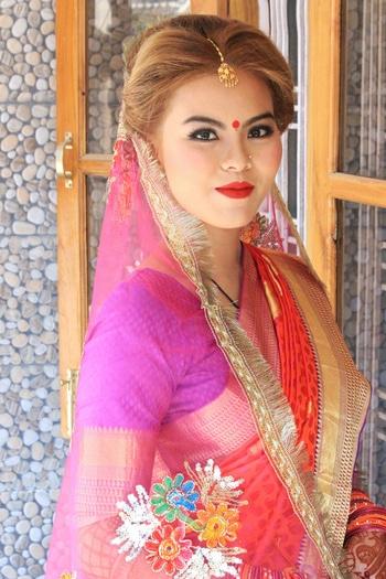 Thai Beauty... Makeup by Nikita makeovers 😍 Nikita Makeup Artist & Hairstylist.... #bridal #bridalmakeup #muadelhi  #mua #muaindia  #makeup #makeupartist #makeupartistdelhi #makeupartistdehradoon #makeuplove #nikitamakeupartistry #nikitamakeupartist #thaigirl #indianbride