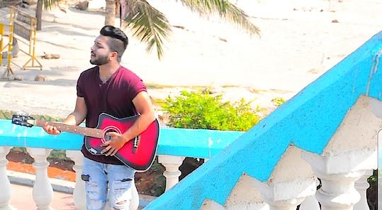 Sing your Heart Out ❤ #singer #pose #guitar #dildiyangallan #abhijeetganguli