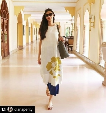 Sunshine... Follow for more @hcpkanika @hcpkanika @hcpkanika . #Repost @dianapenty (@get_repost) ・・・ Walking into another day of action. #Parmanu 💪🏼 . . #hercreativepalace #sunshine #dianapenty #bollywoood #bollywoodblogger #fashion #rightlyfashioned #summer #coolcolours #parmanu #lifeinaction #hcpkanika #gorgeous #beautiful #pretty