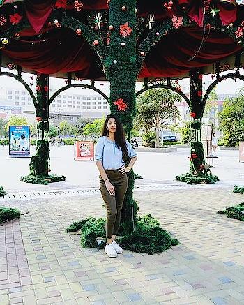 #casuallook #casual #summer-style #sneakergirl #summercolors #poser #ootd #newonroposo #newontheblog #be-fashionable #fashionables #influencer #noida-delhi #fashioninspiration #fashioninfluencer #potd #postoftheday #allandabout_ #likeforlike #followme #likeme