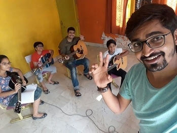 """Me with my students """" Akshar Music Academy """" say hiiii🎶🎵😊🎸#singing ❤️❤️  #coverpage  #song ❤️❤️❤️  #indiansingers #guitar #keyboard  #piano  #music #coversong  #singers  #talented  #music  #goodmusic  #musician  #musicvideo  #musicislove #musicallys  #indiansingers  #bestsong  #musician  #musiclove  #musicfestival  #video  #musicproducers  #electronicmusicproduction  #musicismylife  #electronicmusic  #guitar  #guitarist  #photography  #photo"""