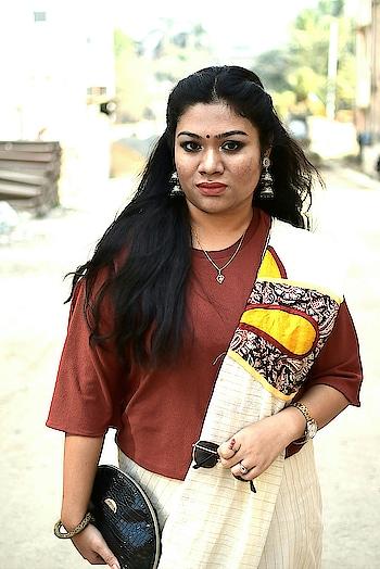 Saraswati pujo swag😍 .  #fashionblogger #ethnicstyle #saree  #kolkatafashionblogger #stylishsaree #indianattire #fashionoutfit #ootd