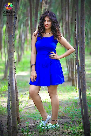 #instafashionista #chennaiyoutuber #nyc #fashion #portraitphotography #portraitmood #roposobabe #blue #outfit #ootding #thoughts #curlyhair #classic-beauty #forests #exploring #fashionblogeer #imgmodels #magazinecover #bestmodel #topmodel #scoutingonecollection #indianyoutuber #popsinger #slaying #be-fashionable #roposo-makeupandfashiondiaries #instafun #bestpic