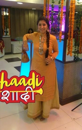 #weddingdiaries #peachsharara #hairextension #trendybraid #hairaccessories #chandbali #trendybag #shaadishaadi #wedding