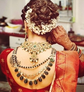 Jewellery goals❤  Wearing jewellery backside is becoming and trend and i am loving how amazingly  she carried this trend out. What are your views ? Do let me know in the comment section down below.   Also, donot forget to like, share and follow me 🏵  #jewellery #bridal-jewellery #bridalfashion #hairaccessories #hairstyle #jewellerylove #jewellerydesign #trendy #trendingnow #trendingonroposo #trendingfashion #trendingpost #wedding-bride #bridaljewelry #hairinspiration #gajras #goals2017 #like #likeforlike #like4follow #likeback #followme #followforfollow #chandigarh #chandigarhfashionblogger #chandigarhblogger #chandigarhstyle #chandigarhwedding #chennai #chennaifashion #chennaifashionblogger #shriya